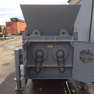 Barclay Top Feed Tire Shredder Picture 1.jpg